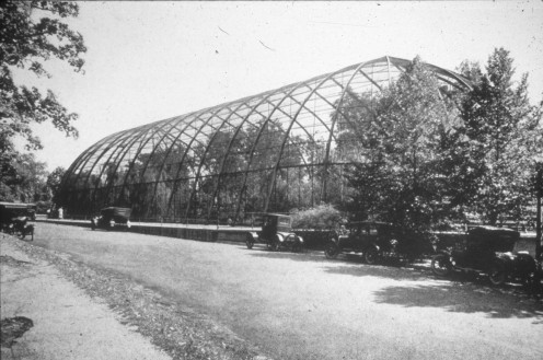 1904 Flight Cage built for the St. Louis World's Fair.  Photo courtesy of the St. Louis Zoo