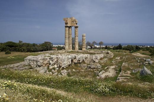 Temple of Apollon, Acropolis of Rhodes / Public domain