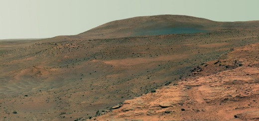 Westward view from a Martian plateau. (Image courtesy of NASA)