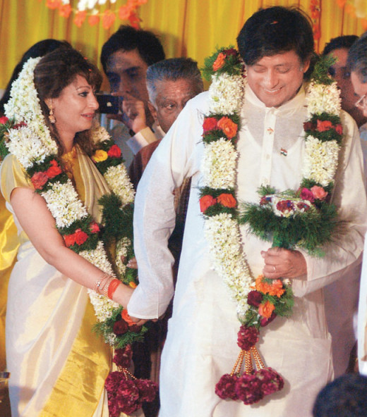 Wedding Photo of Diplomat Turned Politician Shashi Tharoor and Sunanda Pushkar - Third Marriage for Both of Them