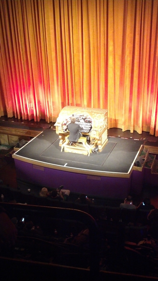 The piano player at Disney's El Capitan Theater