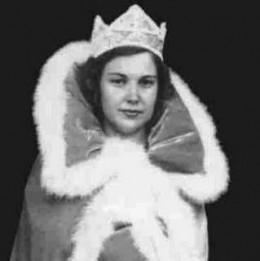 """""""Queen"""" Betty"""