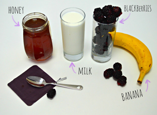 This is all your going to need to make a quick and easy banana blackberry smoothie!