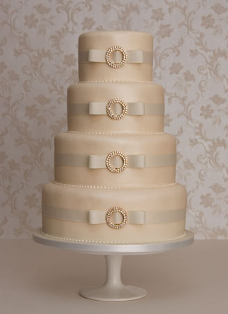 tier wedding cakes can look beautiful
