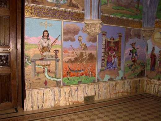 A museum's monument of Tarot influences.