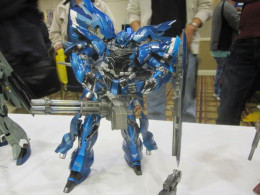 Usually the Sinanju is is red but as can be seen here, it is in blue. This was taken at one of the local competitions.