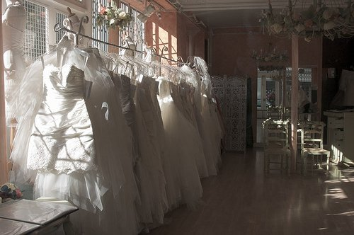 Where to Start to Find the Right Wedding Dress