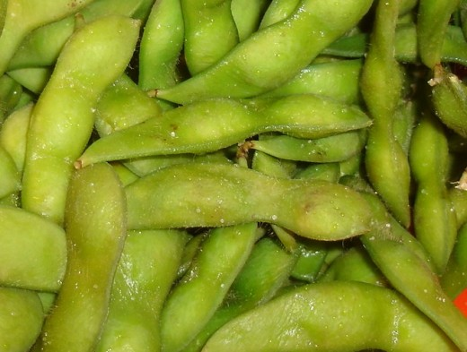 If your edamame look like this, you need to remove them from the pods, as this outer shell is inedible. If you don't, your friends may still ask you for your recipe - but only so they can mock you mercilessly.