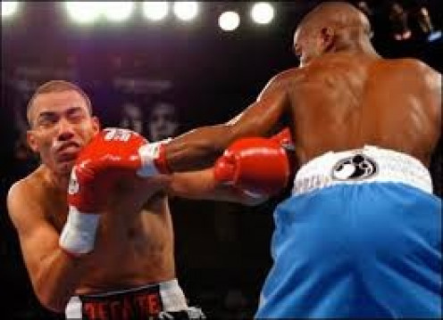 Floyd Mayweather, Jr. won the lightweight world title from Jose Luis Castillo and he then beat him again in the rematch.  The first bout was extremely close but the second was an easy win for Floyd Mayweather, Jr.