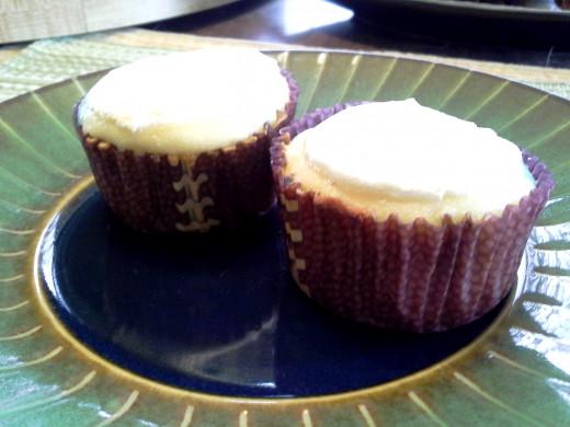Easy Peasy Amazing Vanilla Cupcakes