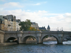 Cruising back down the Seine © A Harrison