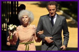 Alba Duchess and her husband
