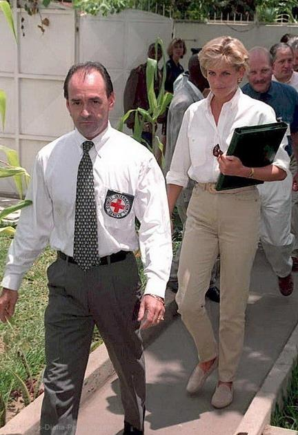 Princess Diana at an International Red Cross Briefing in Luanda, Angola. - January 1997