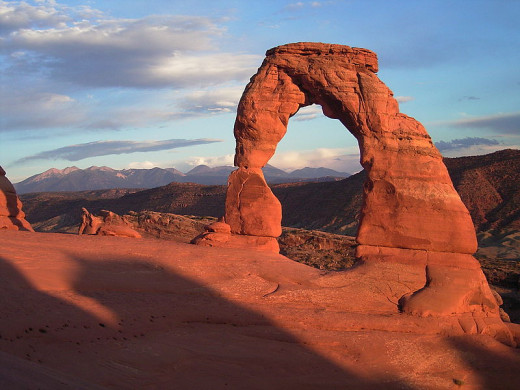 Delicate Arch with background of La Sal Mountains in Arches National Park in eastern Utah.