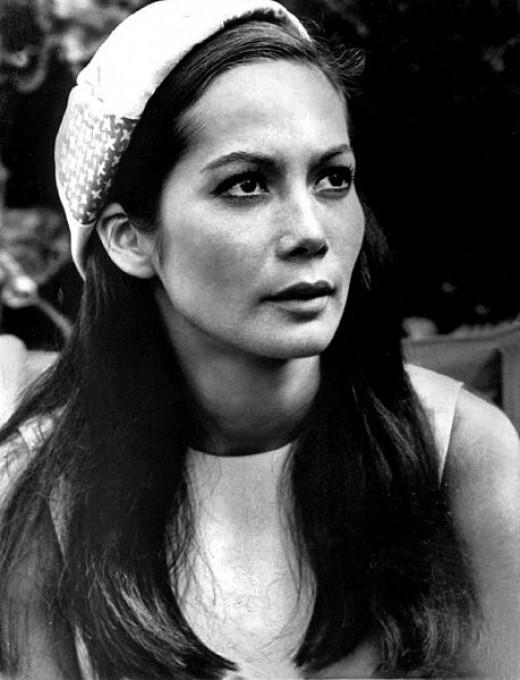 Nancy Kwan 18, picked by executive producer Ray Stark to replace France Nguyen, 1960. She was 'in the right place at the right time'.