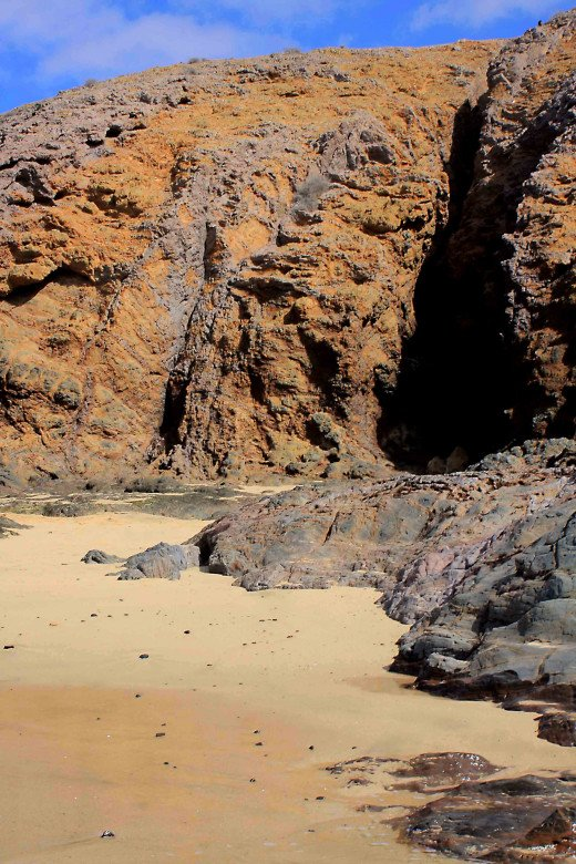 The first cove is believed to be Caleton del Cobre and is described as being 40 metres long and about 3 metres wide