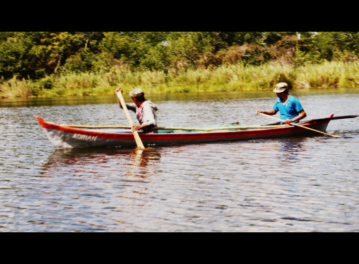 Fishermen on the Rio Dulce
