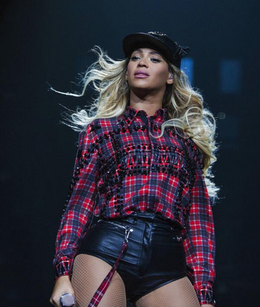 "Beyoncé performing ""***Flawless"" during her concert in Glasgow, Scotland, on Feb 20, 2014. Mrs. Carter Show World Tour."