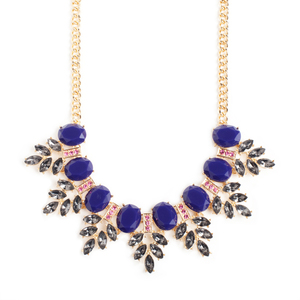 Blow their minds away with this drop dead gorgeous Stephanie necklace. Wear this necklace to glam-it-up.