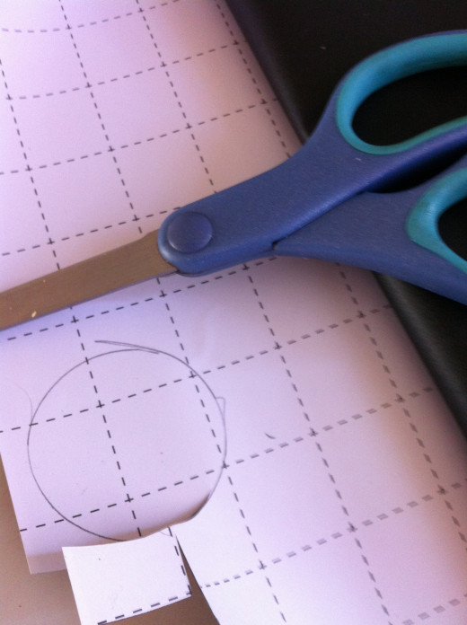 The ready-to-cut grid lines are helpful for making labels but I opted for tracing and cutting out circle labels.