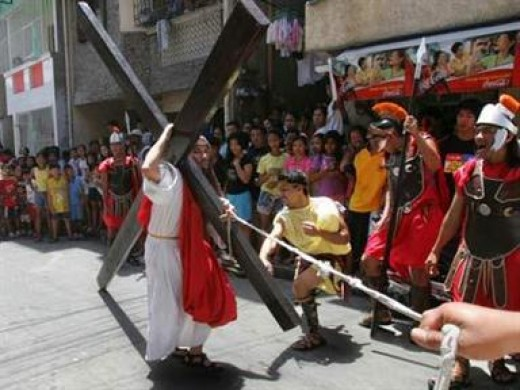 """Sinakulo"" (Via Crusis) or Way of the Cross"