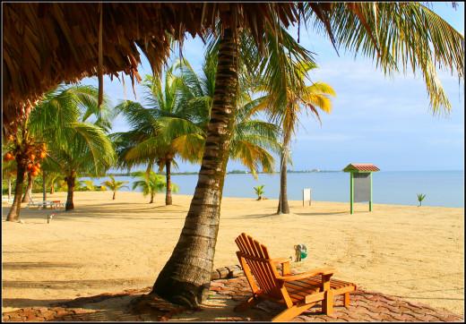 Green Parrot Beach House and Resort, Maya Beach