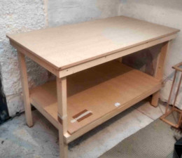 P28 - Bench in position in a utility room