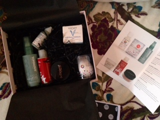 Here are the contents of the Feb Glossybox