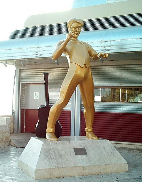Elvis statue at a diner called The Elvis Inn in Jerusalem.