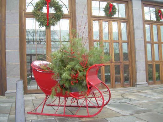 Christmas sleigh at Tower Hill Botanical Garden