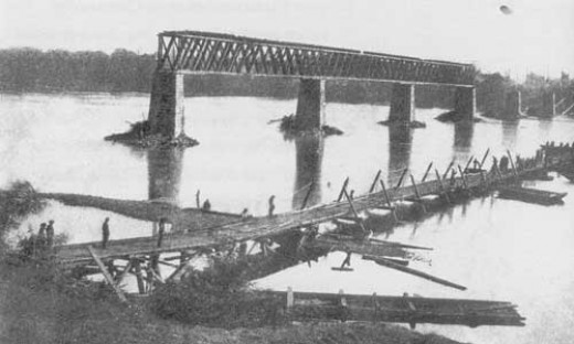 A combination of a trestle bridge (foreground) and pontoon bridge (mostly out of the photo)