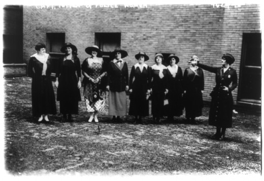 Capt. Edyth Totten and women police reserve. New York City in 1918.