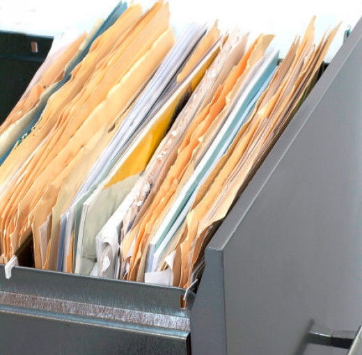 Messy filing cabinets are a sign of trouble.