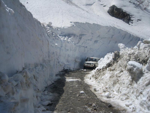 Way to Keylong at Rohtang pass