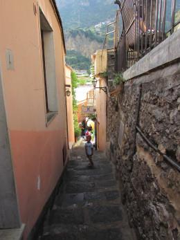 Walking down to Positano