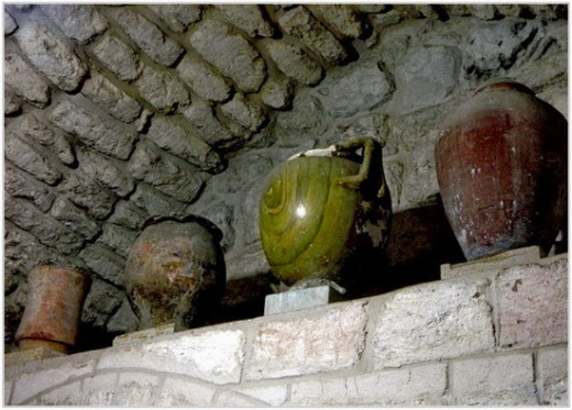 Old vessels of various dates - Excavation findings at Franciscan Church