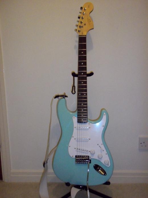 squier affinity stratocaster guitar review hubpages. Black Bedroom Furniture Sets. Home Design Ideas