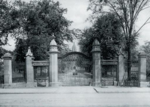 The gates of Old Trinity on Queen Street West as seen in 1914