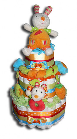 Diaper cakes are a favorite in any baby shower plan, providing both practical supplies and a fun baby-related decoration