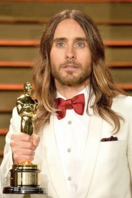 Jared Leto credits a vegan diet and yoga workouts for his youthful good looks. Leto, who at 42 looks a decade younger. Jared Leto, 42, credits vegan diet and yoga workouts for age-defying good looks.