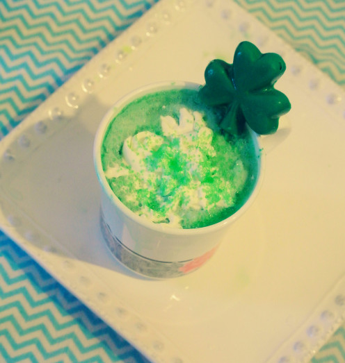 Start your day of festivities off with this green hot shamrock cocoa.