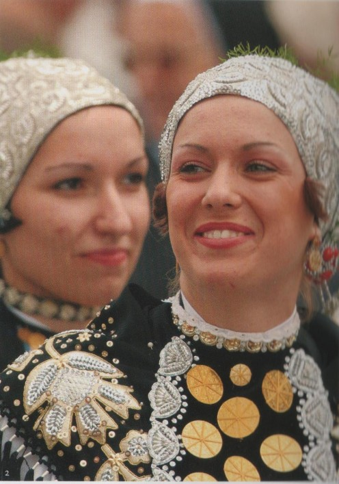 Folklore Dance  Girls dressed tradtionally