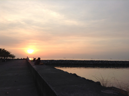 "Manila Bay with its famous Sunset. Many fear that this Sunset would soon ""disappear"" if the planned multi-billion reclamation project is implemented."