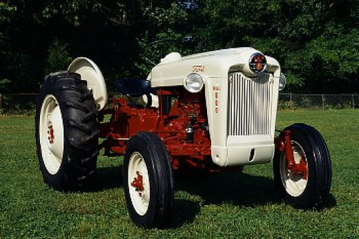 My dad's tractor of choice: a Ford