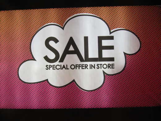 Enticing SALE banners