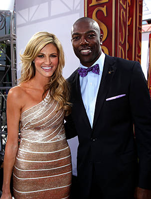 Erin Andrews (left) with once superstar athlete, /Terrell Owens