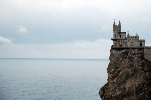 Swallow's Nest is a castle-like tower and emblem of Crimea