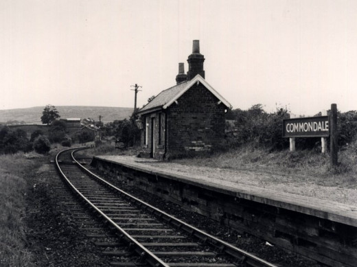 Commondale in the 60's, already semi-derelict - a halt with a single shelter. The station's only claim to fame was its adjacent siding to the brick works
