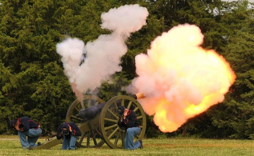 Living Historians fire a cannon
