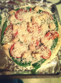 Cooking: Gluten Free Chicken, Tomato, and Spinach Pizza